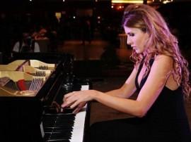 juliana dagostini foto divulgação 270x202 - Orquestra Sinfônica apresenta concerto com a pianista Juliana D'Agostini