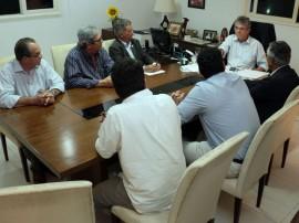 ricardo com usineiros 2 270x202 - Ricardo discute futuras parcerias com a indústria sucroalcooleira
