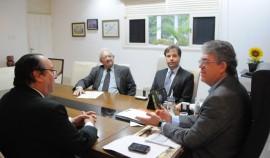 17.12.14 ricardo visita tce fotos jose marques 2 270x158 - Ricardo recebe visita do presidente e de conselheiros do Tribunal de Contas