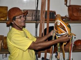 23.12.14 salao artesanato walter rafael 55 270x202 - Artigos em madeira e couro ganham destaque no 21º Salão de Artesanato