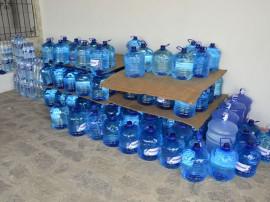 29.12.14 policia ambiental fotos alberi pontes 411 270x202 - Batalhão de Polícia Ambiental entrega donativos a 150 famílias de Taperoá