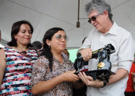 CAJAZEIRAS ENTREGA DE EQUIPAMENTOS 12 270x192 - Ricardo entrega equipamentos para cooperativas de Cajazeiras