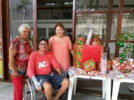 acesso cidadão Helena Genilson Janete 270x202 - Projeto Acesso Cidadão realiza Natal Acessível para usuários na praia de Cabo Branco