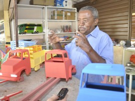 enoque artesanato em madeira foto joao francisco 5 270x202 - Artesãos reforçam produção para 21º Salão de Artesanato da Paraíba