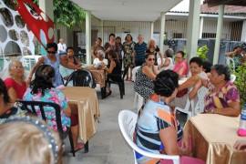 festa idosos Cica fotos  LucianaBessa 23 270x180 - Grupo de idosos participa de almoço de Natal no Centro Integrado de Cruz das Armas