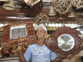 jose felix artesanato em cipo foto joao francisco 2 270x202 - Artesãos reforçam produção para 21º Salão de Artesanato da Paraíba