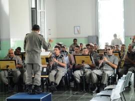 pm entrega de novos instrumentos a banda da policia militar 3 270x202 - Governo do Estado entrega novas instalações e instrumentos à banda de música da Polícia Militar