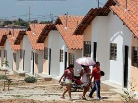ricardo entrega de casas patos foto francisco francaPG 21 270x202 - Ricardo entrega casas em Patos e beneficia mais de 400 pessoas