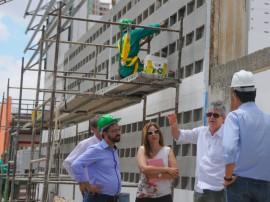 ricardo visita vila olimpica ronaldo marinho dede foto jose marques 5 270x202 - Ricardo anuncia inauguração da Vila Olímpica para 21 de dezembro