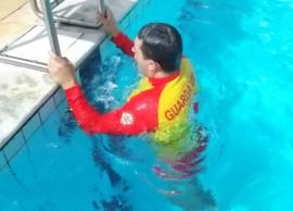 07.01.15 bombeiros treinamento aquatico 1 270x194 - Bombeiros participam de treinamento aquático em Campina Grande