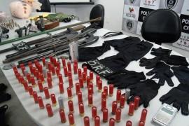 Armas apreendidas com bando 270x180 - Secretaria da Segurança reduz em 11% ações criminosas contra instituições bancárias no Estado