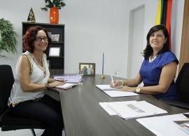 Ligia e Secretária da Mulher 270x194 - Vice-governadora discute programas de assistência à mulher na Paraíba