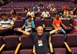PRIMA foto femusic 2 270x191 - Músico internacional doa palhetas a alunos do Prima no Festival de SC