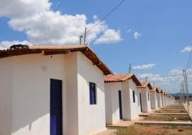 SOUSA ENTREGA DE CASAS foto jose marques 2 270x191 - Ricardo entrega casas beneficiando mais de 600 pessoas na cidade de Sousa