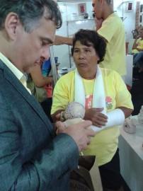 Secretário Laplace Guedes e ceramista Mena Cavalcanti 202x270 - Secretário visita Salão do Artesanato e conversa com expositores