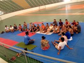 aulão yoga 2 270x202 - Artesãos participam de aulão de yoga e recebem cartilha sobre Salão de Artesanato