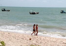 praias foto francisco frança 1 270x191 - Banhistas podem aproveitar 51 praias do litoral paraibano neste fim de semana