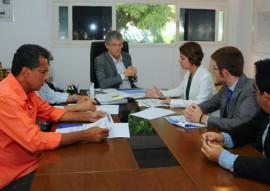 ricardo reuniao com empresarios foto jose marques 2 270x191 - Governador discute implantação de parque eólico nos municípios do Vale do Sabugi