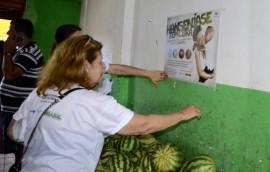 ses campanha na feira de jaguaribe prevencao a hanseniase foto walter rafael 4 270x172 - Hospital Clementino Fraga faz ação sobre hanseníase