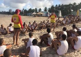 11.02.15 bombeiros 7 270x192 - Bombeiros treinam alunos soldados em salvamento aquático para reforço nas praias