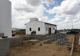 adutora de arueira obras 3 270x191 - Governo concluiu 68% das obras do primeiro lote do Canal Acauã-Araçagi