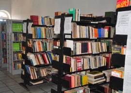 biblioteca publica foto vanivaldo ferreira 1 270x191 - Biblioteca Pública oferece mais de cinco mil livros didáticos para estudantes