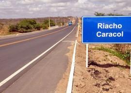 11.02.15 estrada catole boa vista cg sinalizao fotos claudio goes 15 270x192 - Governador inaugura rodovia que beneficia 350 mil habitantes
