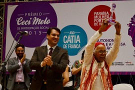 18.03.15 premio ceci melo fotos roberto guedes 83 270x180 - Prêmio Ceci Melo: Governo do Estado homenageia Cátia de França e mais 28 mulheres
