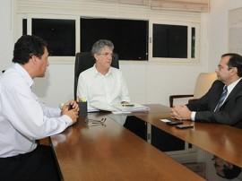 REUNIÃO FNDE 21 270x202 - Governo firma parceria com MEC para auxiliar gestores da educação na captação de recursos