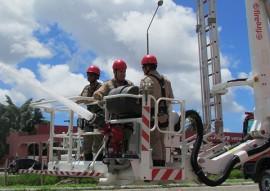bombeiros treinamento autoplataforma 1 270x191 - Corpo de Bombeiros realiza treinamento na autoplataforma aérea