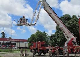 bombeiros treinamento autoplataforma 6 270x191 - Corpo de Bombeiros realiza treinamento na autoplataforma aérea