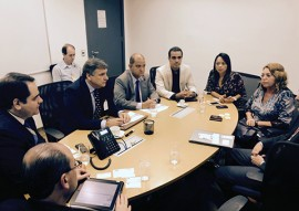 reuniaonagol 270x191 - Governo negocia com linhas aéreas aumento na frequência de voos para o Estado