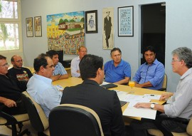 ricardo REUNIÃO PROFESSORES sintep foto jose marques 4 270x191 - Ricardo recebe professores e servidores da educação