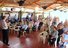 ricardo VISITA JAPUNGU foto jose marques 2 270x191 - Ricardo garante continuidade de incentivos para o setor sucroenergético