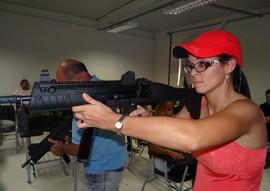 seds pc treinamento Simulador de Tiro 7 270x191 - Policiais fazem treinamento em simulador de tiro na Acadepol em João Pessoa