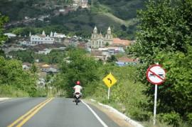 18.04.15 ricardo inaugura estradas fotos Alberi Pontes 2 270x178 - Ricardo inaugura 44 km de rodovias e beneficia mais de 145 mil pessoas no Brejo paraibano