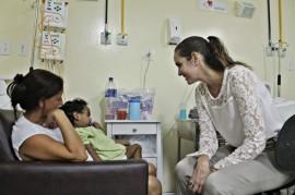 Foto RicardoPuppe Arlinda Marques  Sec Roberta Abath 270x179 - Hospital Arlinda Marques recebe visita do Círculo do Coração-PE e de ONG internacional