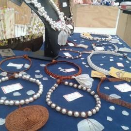joias produzidas por atesas da praia da penha sp fashion week 20161 270x270 - Artesanato produzido na praia da Penha ganha passarelas no desfile de Ronaldo Fraga no SPFW