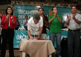 ode de sousa 5 270x191 - Ricardo assina ordem de serviço, entrega viatura e kits escolares em Sousa