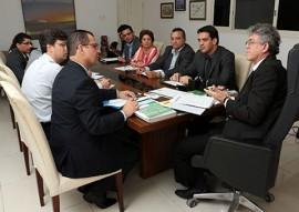 ricardo com representantes da STN foto francisco franca 111 270x191 - Missão da STN atesta que Paraíba atingiu metas do ajuste fiscal