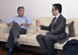 11.05.15 ricardo reune banco europeu de investimento foto walter rafael 2 270x191 - Ricardo discute parcerias com Banco Europeu de Investimento em projetos de saneamento