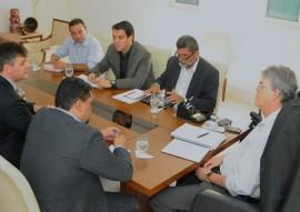 14.05.15 ricardo reune com fida foto jose marques 2 270x191 - Ricardo recebe comissão do Fundo Internacional para o Desenvolvimento da Agricultura