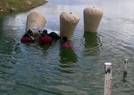 Corpo de Bombeiros resgatam carro submerso 4 270x191 - Mergulhadores do Corpo de Bombeiros resgatam carro submerso em açude da região da Borborema