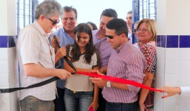 DAMIÃO ENTREGA DE ESCOLA 2 jornal 270x158 - Ricardo inaugura obras e beneficia estudantes e idosos do Curimataú paraibano