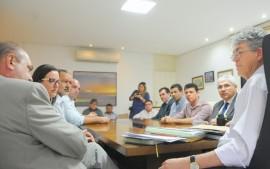 FRENTE PARLAMENTAR DA SECA 2 270x169 - Ricardo recebe relatório da Frente Parlamentar da Água sobre estiagem na Paraíba