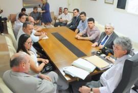FRENTE PARLAMENTAR DA SECA 3 270x183 - Ricardo recebe relatório da Frente Parlamentar da Água sobre estiagem na Paraíba
