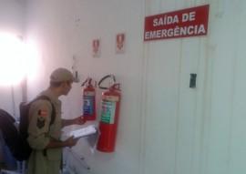 bombeiros fazem vistoria em comercios 4 270x191 - Corpo de Bombeiros fiscaliza estabelecimentos comerciais do Estado