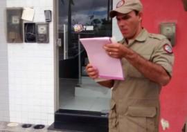 bombeiros fazem vistoria em comercios 8 270x191 - Corpo de Bombeiros fiscaliza estabelecimentos comerciais do Estado