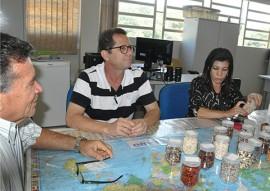 emepa pb e ufrpe faz convenio foto ascom emepa 1 270x191 - Emepa firma parceria para ampliar pesquisa sobre feijão fava