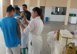 fundac e sec municipal de saude imuniza socioeducandos contra influenza 2 270x191 - Fundac imuniza socioeducandos contra a influenza